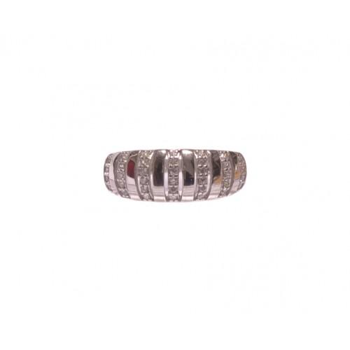 Stříbrný prsten osázený zirkony AG0189