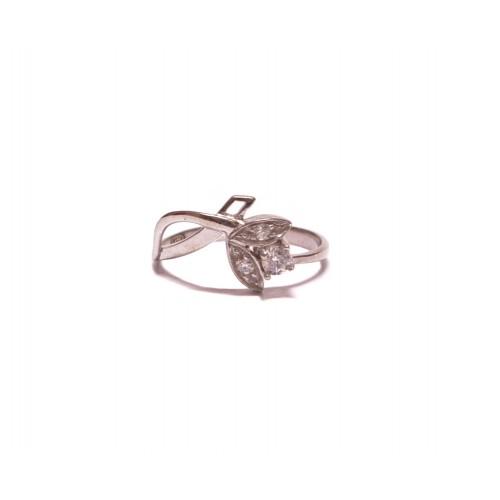 Stříbrný prsten se třemi zirkony AG0153